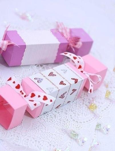 Упаковка в виде конфеты из бумаги