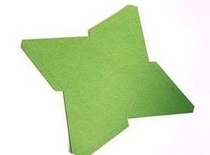вырезаем шаблон пирамиды из бумаги
