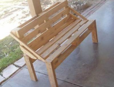 скамейка из поддонов своими руками