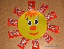 солнышко из конфет своими руками