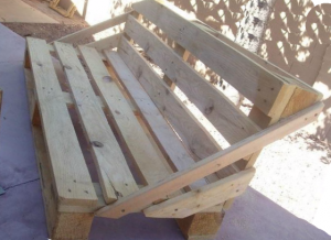 Fortified Bench of pallets