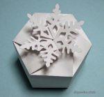 Подарочная коробка-снежинка