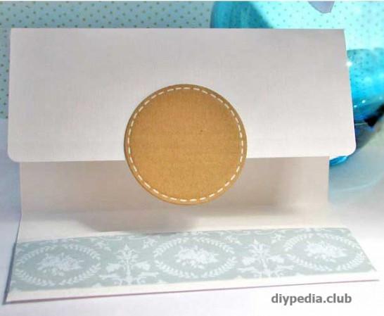 клеим штамп к конверту