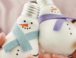 Snowman from light bulb