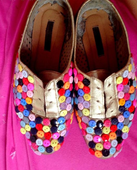 Туфли из пуговиц