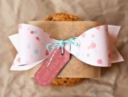 Paper bow with own hands