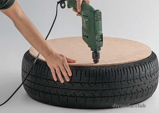 Making Ottoman from Tyre