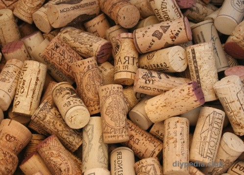 Crafts from wine corks with own hands
